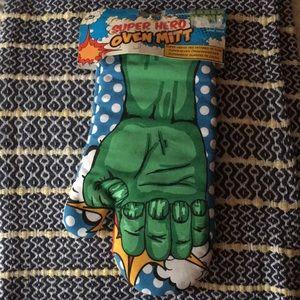 NPW Hulk Superhero Polka Dot Over Mitt